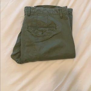 Slim fit linens pants.